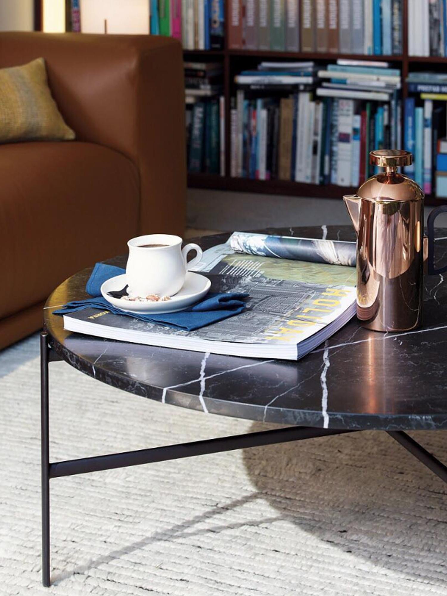 OUTLINE Coffee Table. U2039 U203a